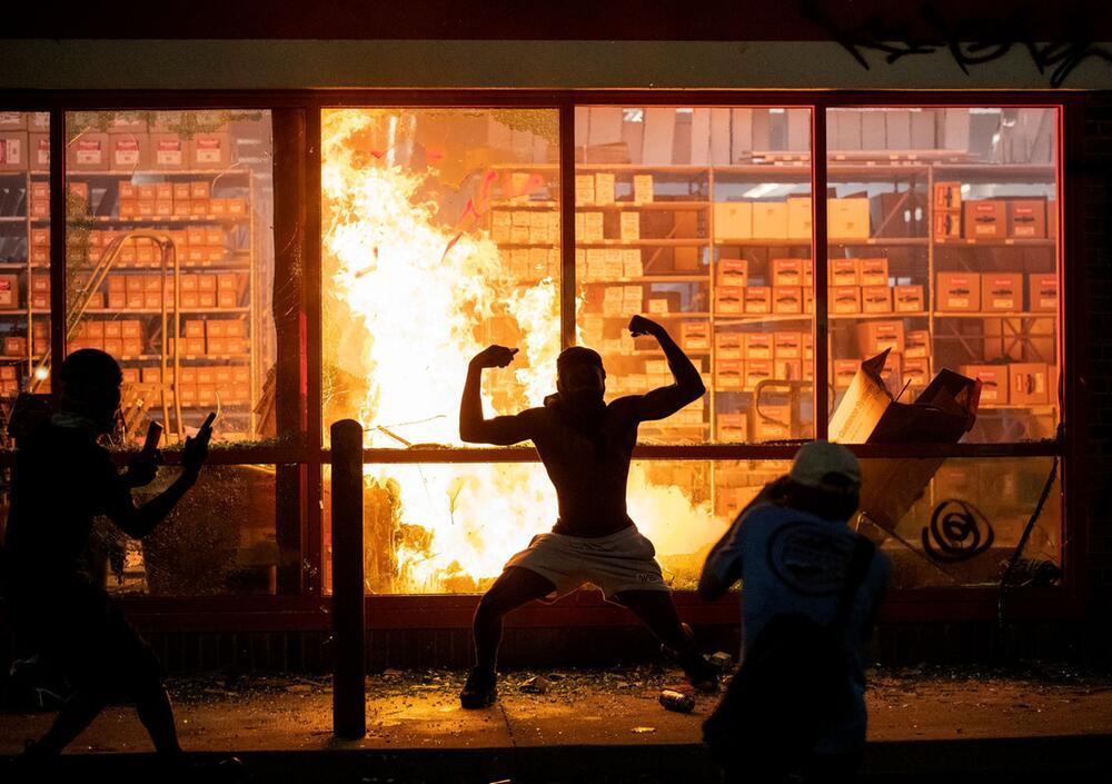 Afroamerikaner stirbt nach brutalem Polizeieinsatz