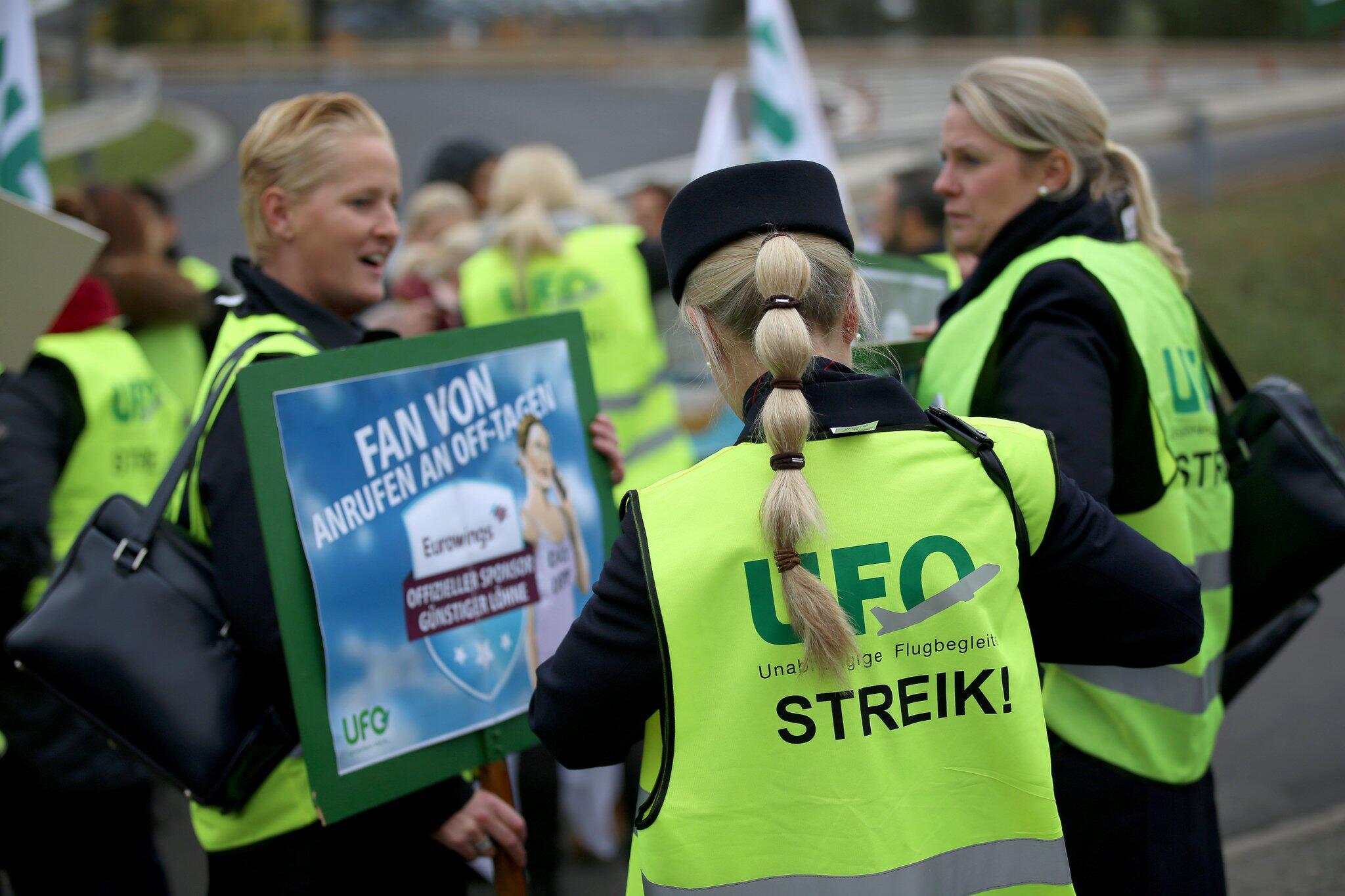 Bild zu Streik der Flugbegleiter - Ufo