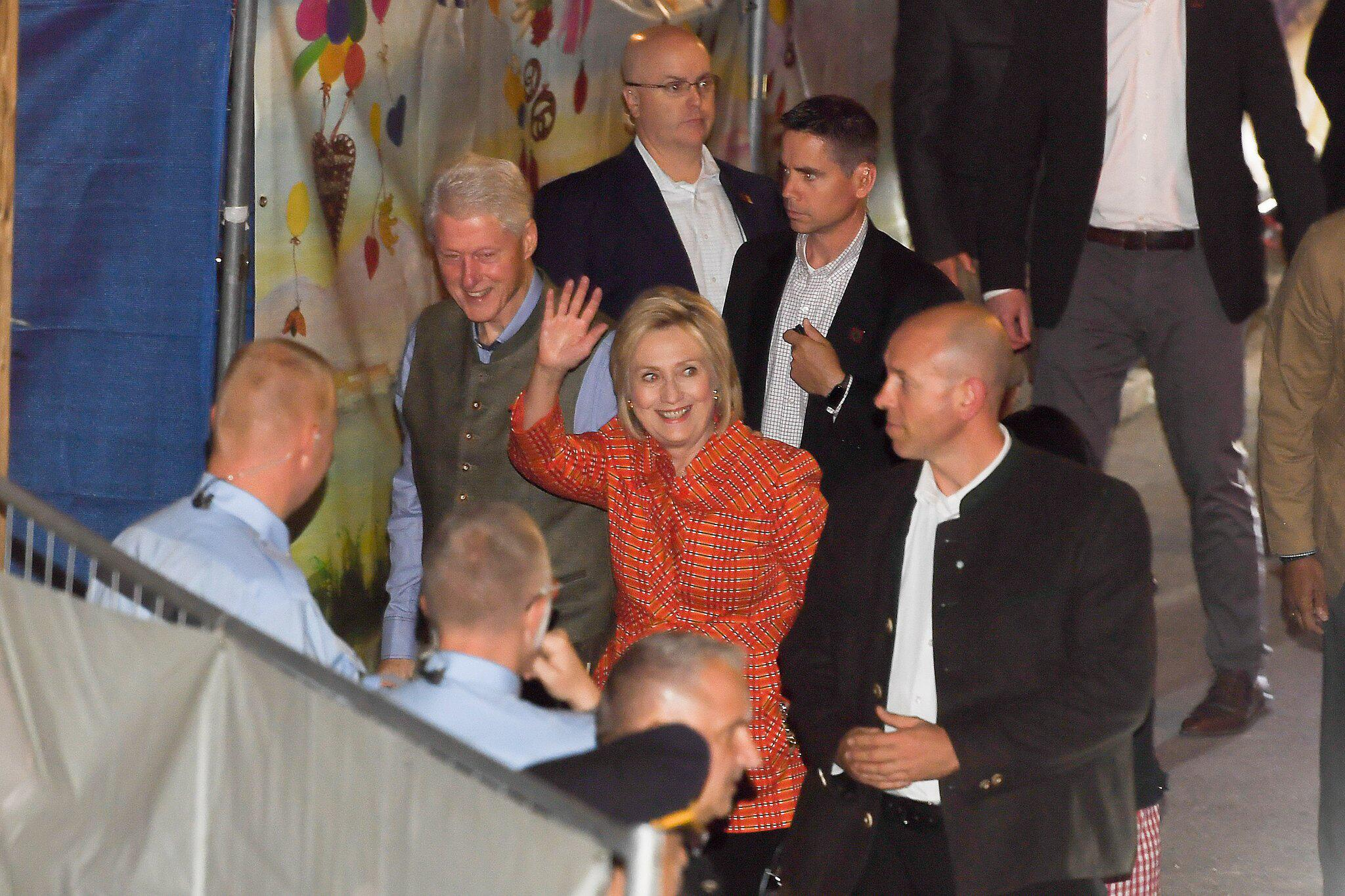 Bild zu Oktoberfest 2018 - Bill and Hillary Clinton