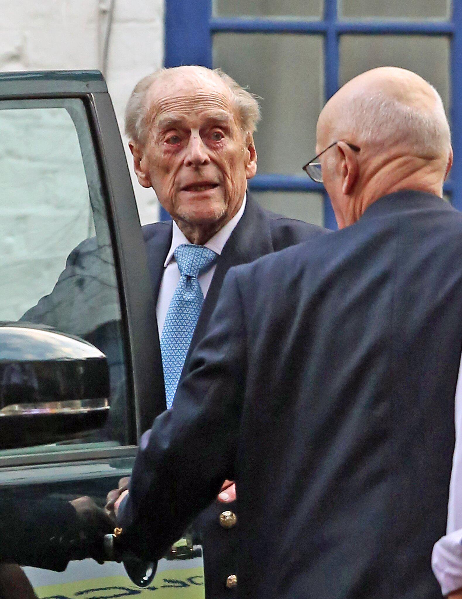 Bild zu Prinz Philip aus Krankenhaus entlassen