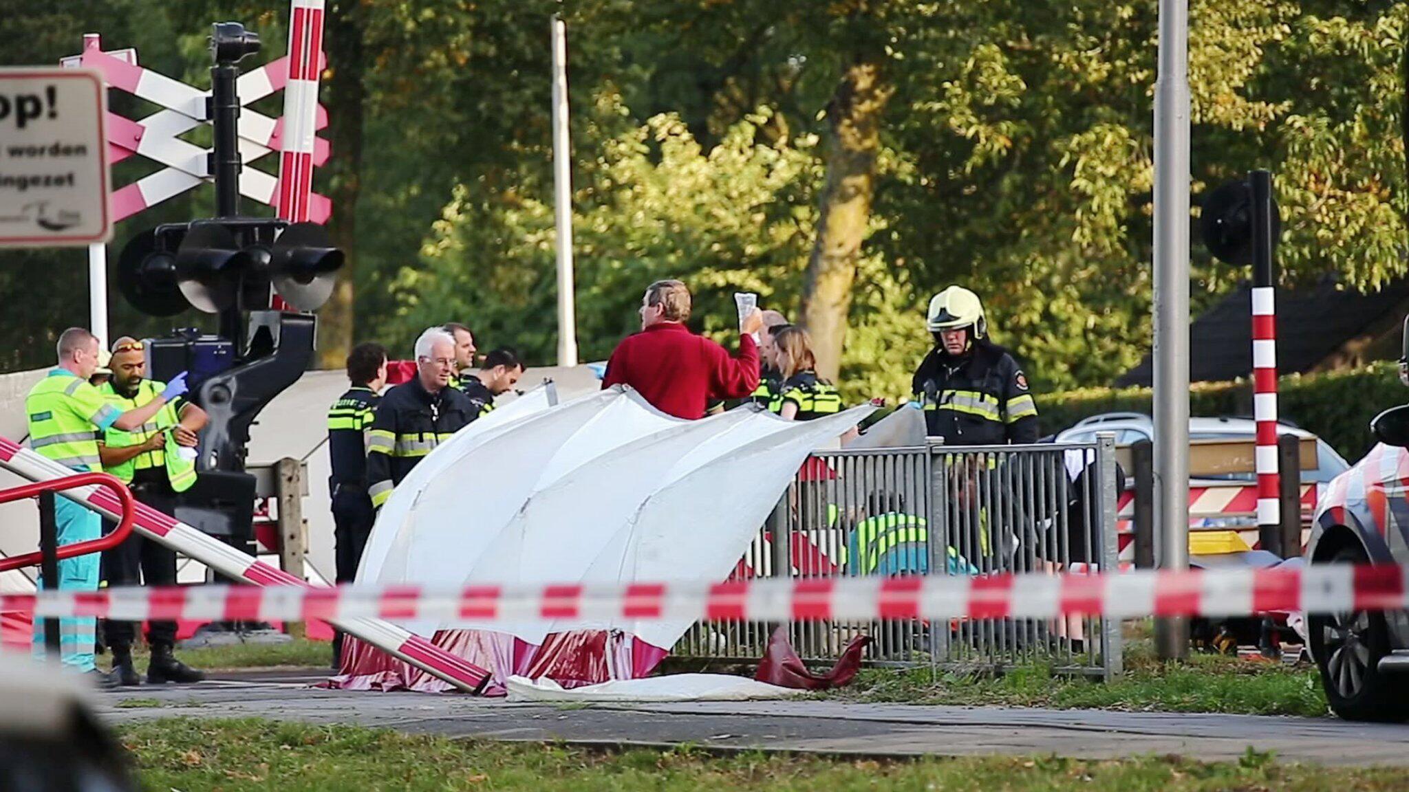 Bild zu Kinder in Niederlanden bei Unglück mit Zug getötet