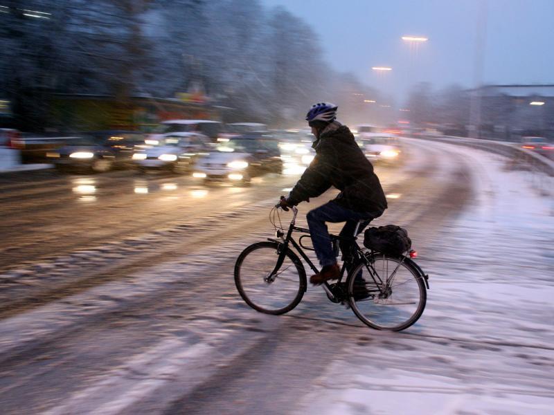 Bild zu Unfall auf Arbeitsweg