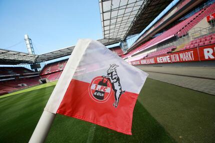1. FC Köln, Eckfahne