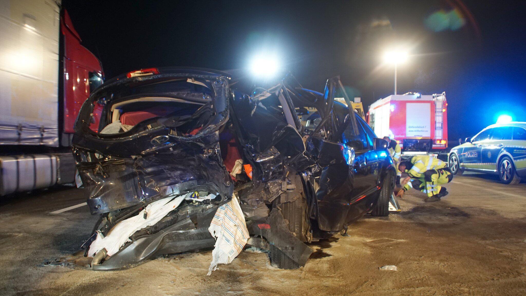 Bild zu Drei schwerverletzte Kinder nach Unfall