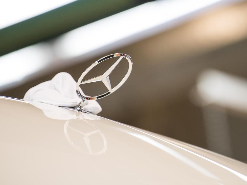 Bild zu Mercedes-Symbol