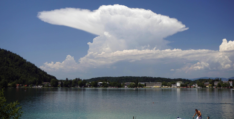 Bild zu Cumulonimbuswolke