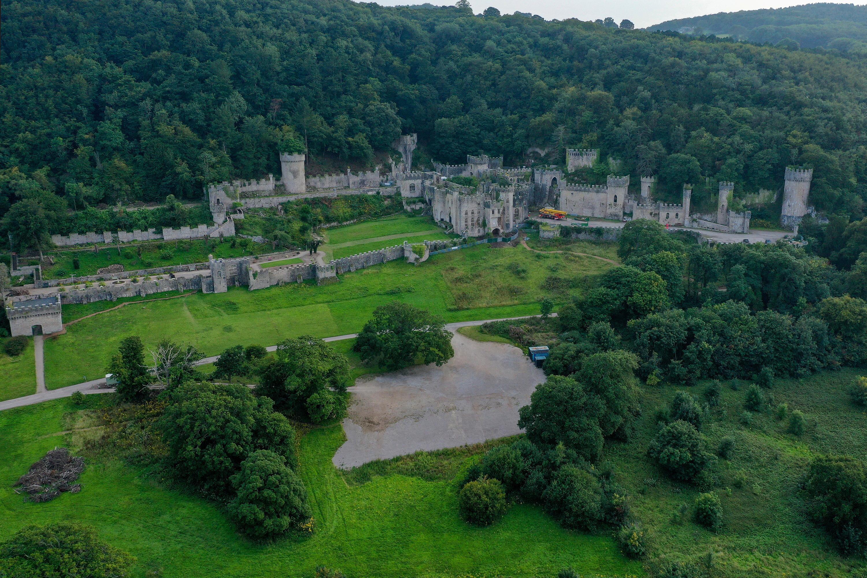 Bild zu Gwrych Castle in Abergele in Wales: Drehort des Dschungelcamp 2021.
