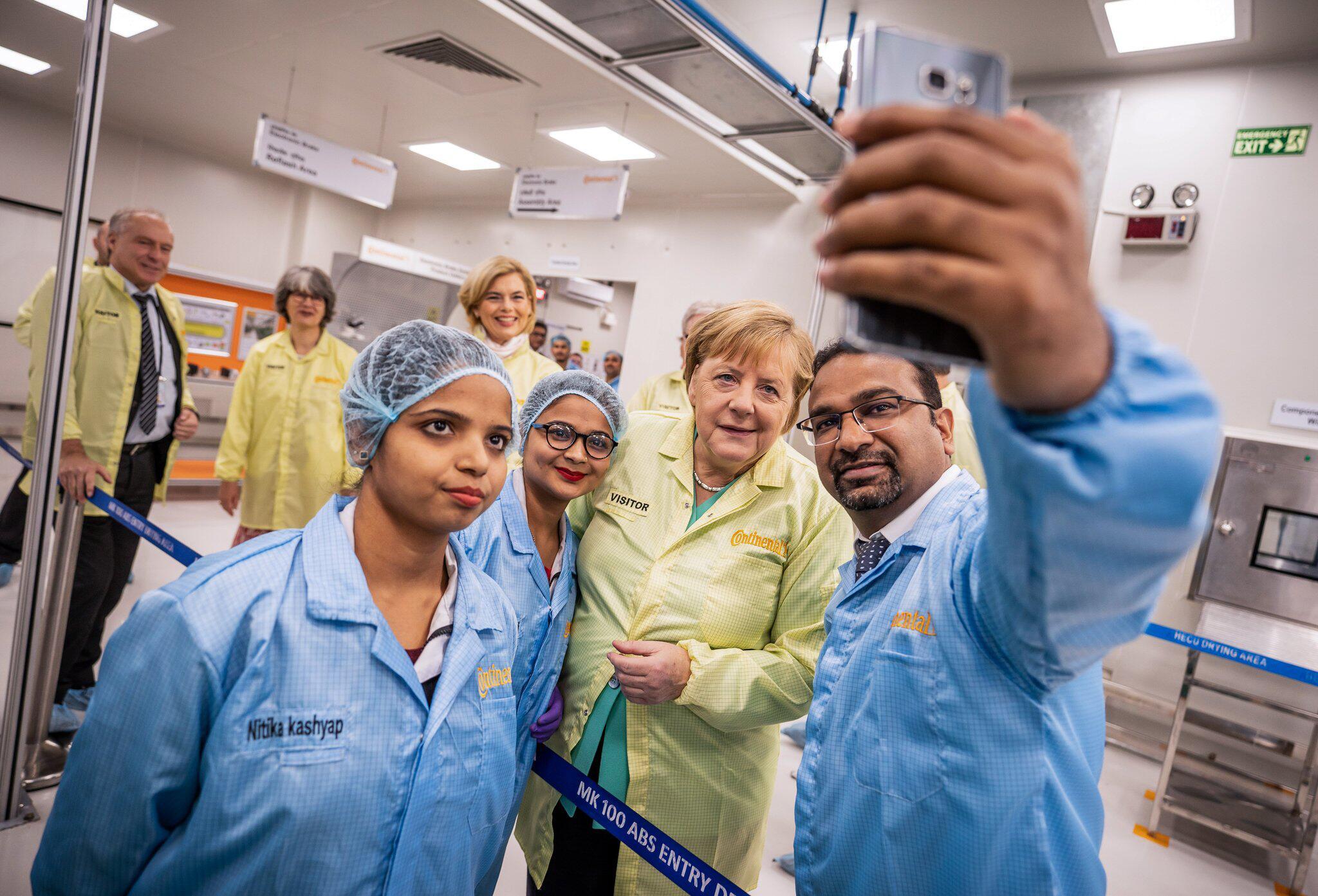 Bild zu Merkel in Indien