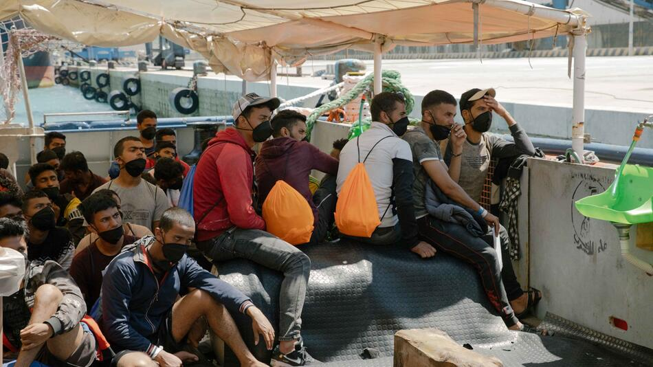 Migranten von «Sea-Watch 3» positiv auf Coronavirus getestet