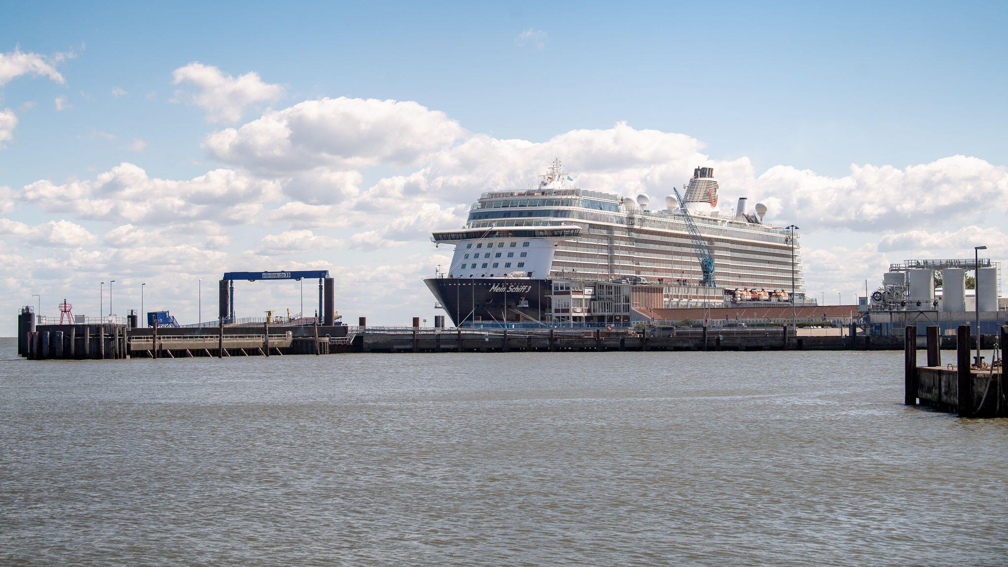Bild zu Mein Schiff 3, Kreuzfahrtschiff