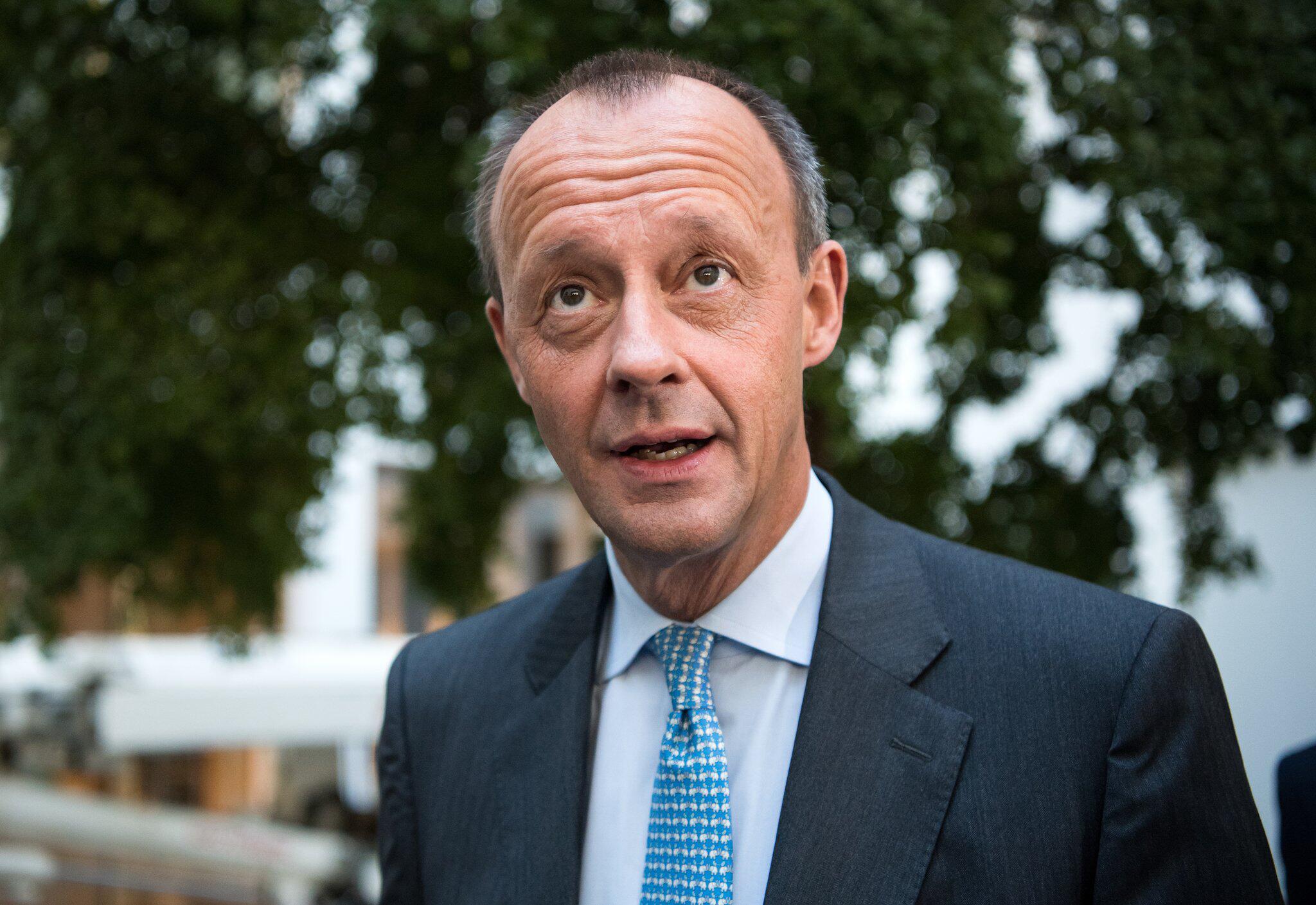Bild zu Pressekonferenz Friedrich Merz