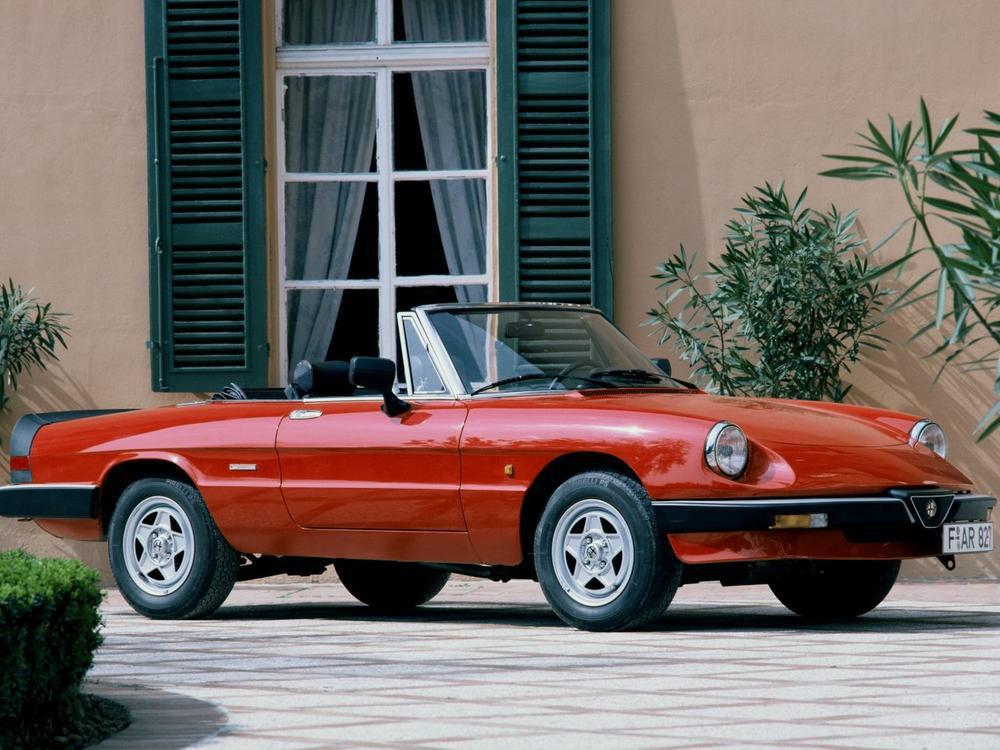 Bild zu Alfa Romeo Spider 2000