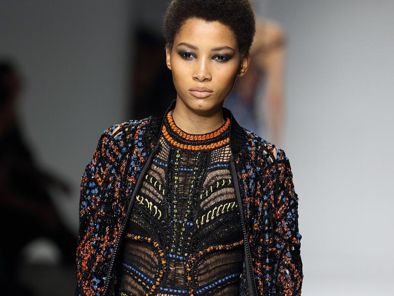 Bild zu Ethno-Look bei Versace