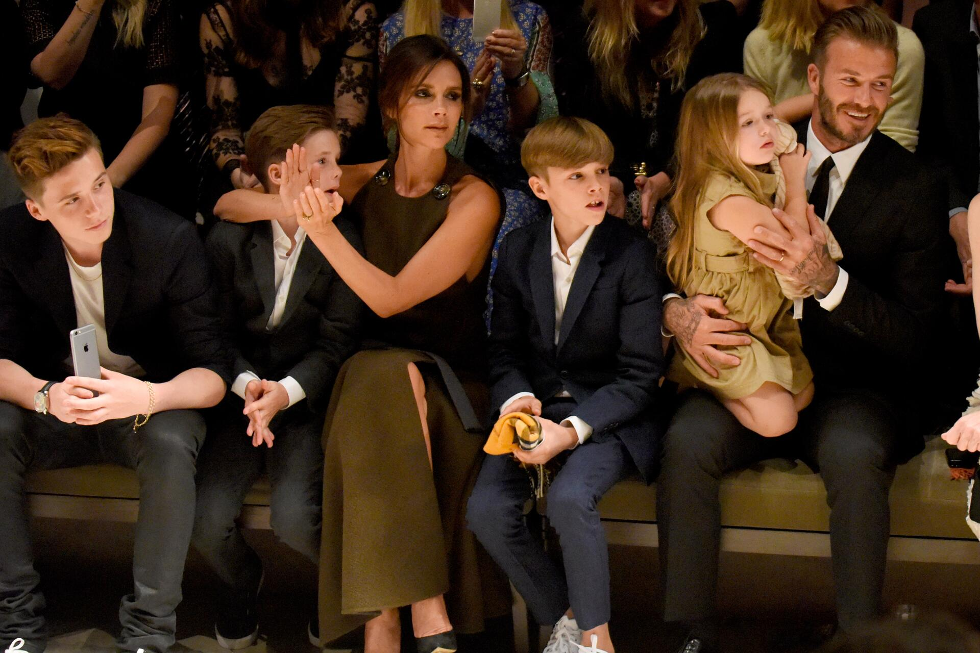 Bild zu Brooklyn Beckham, Cruz Beckham, Victoria Beckham, Romeo Beckham, Harper Beckham, David Beckham