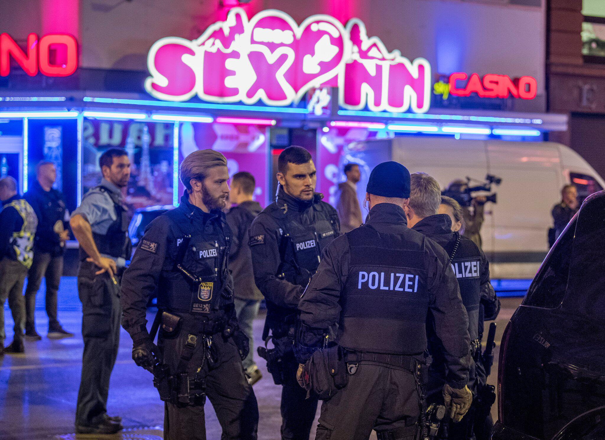 Bild zu Police raid in Frankfurt station district