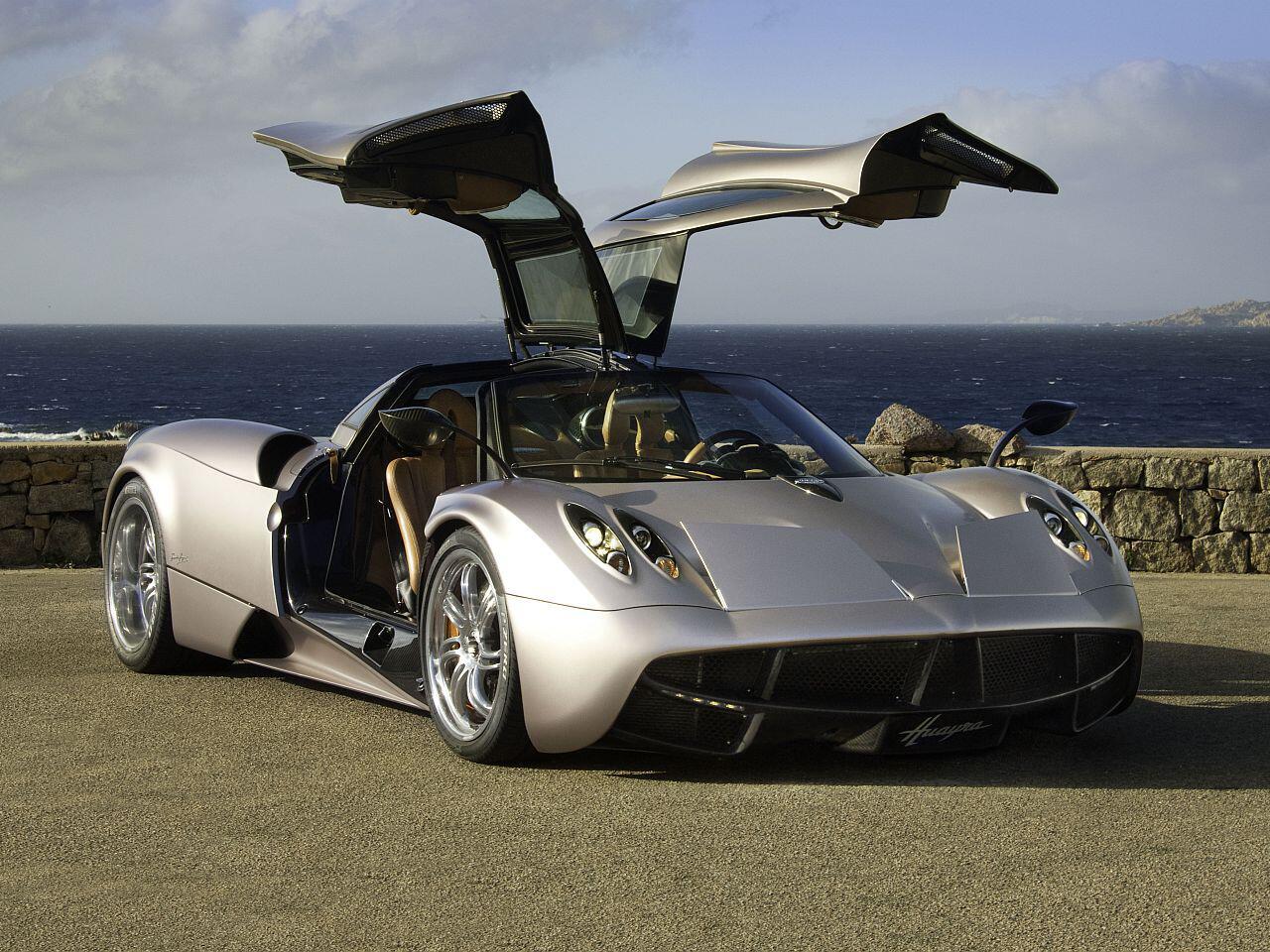 Bild zu Autos mit geliehenen Motoren
