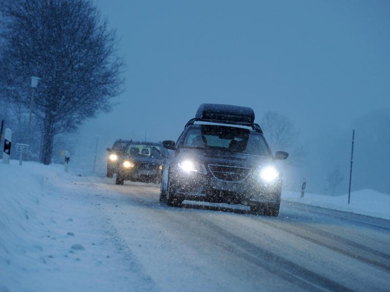 Bild zu Fahrt bei Schnee