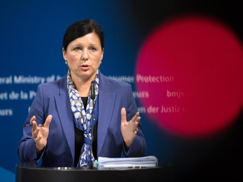 Bild zu EU-Justizkommissarin Vera Jourová