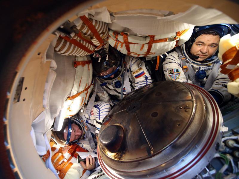 Bild zu In der Sojus-Kapsel
