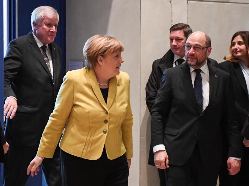 Bild zu Treffen der Spitzen von Union und SPD