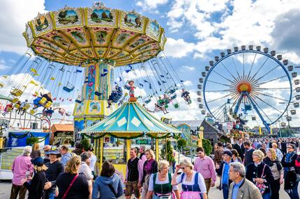 Wiesn, Oktoberfest, Tracht, Dirndl, Lederhose, Bier, Fest, München, Bayern