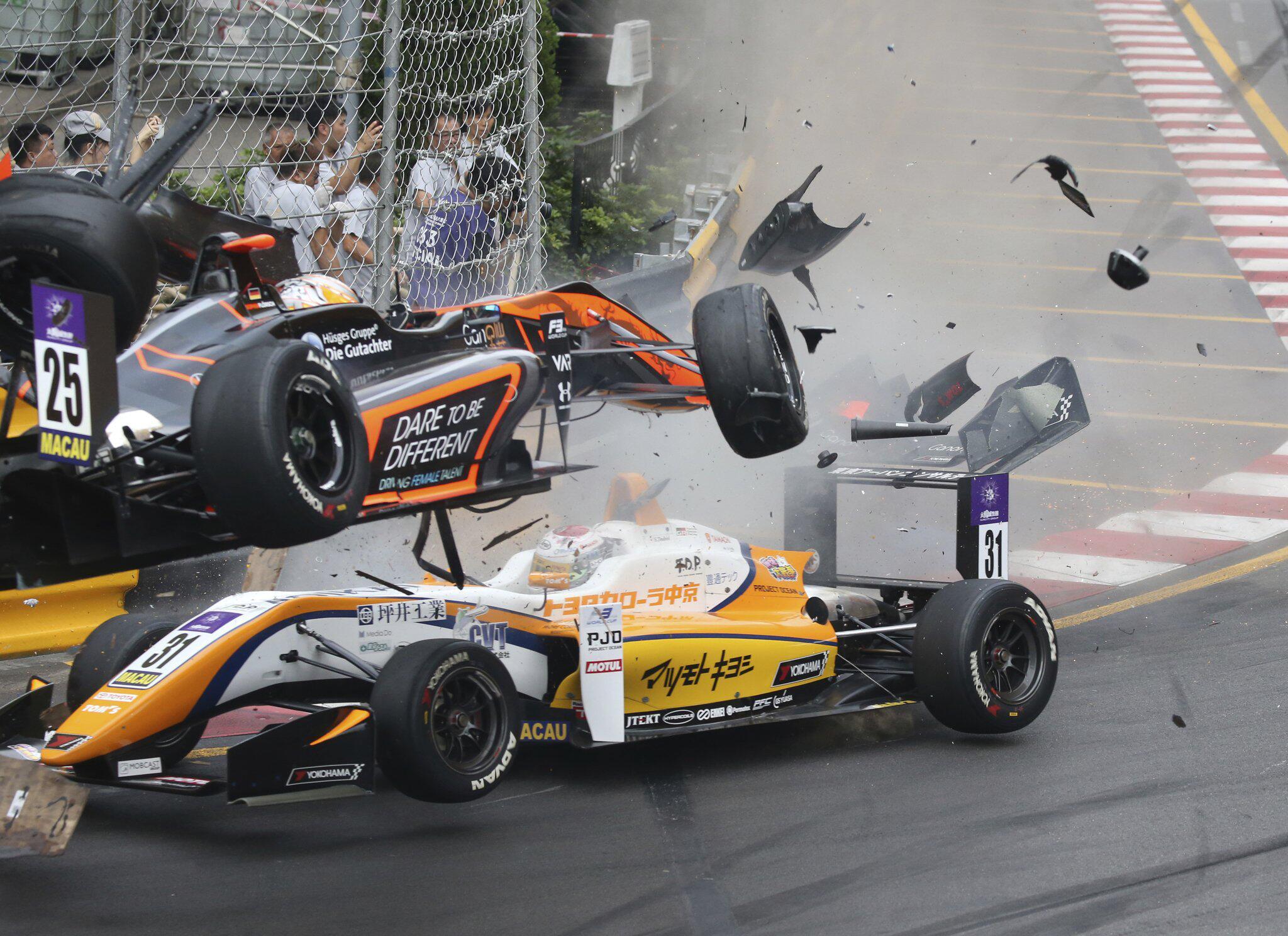 Bild zu Formel 3 - Unfall von Sophia Flörsch