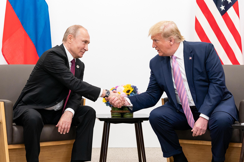Bild zu Trump spielt drohendes «Geschenk» herunter