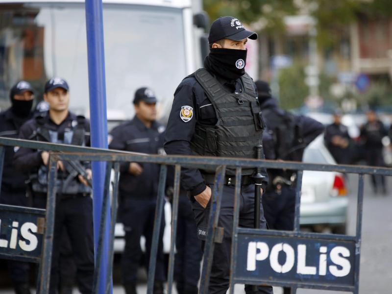 Bild zu Türkische Polizisten in Ankara