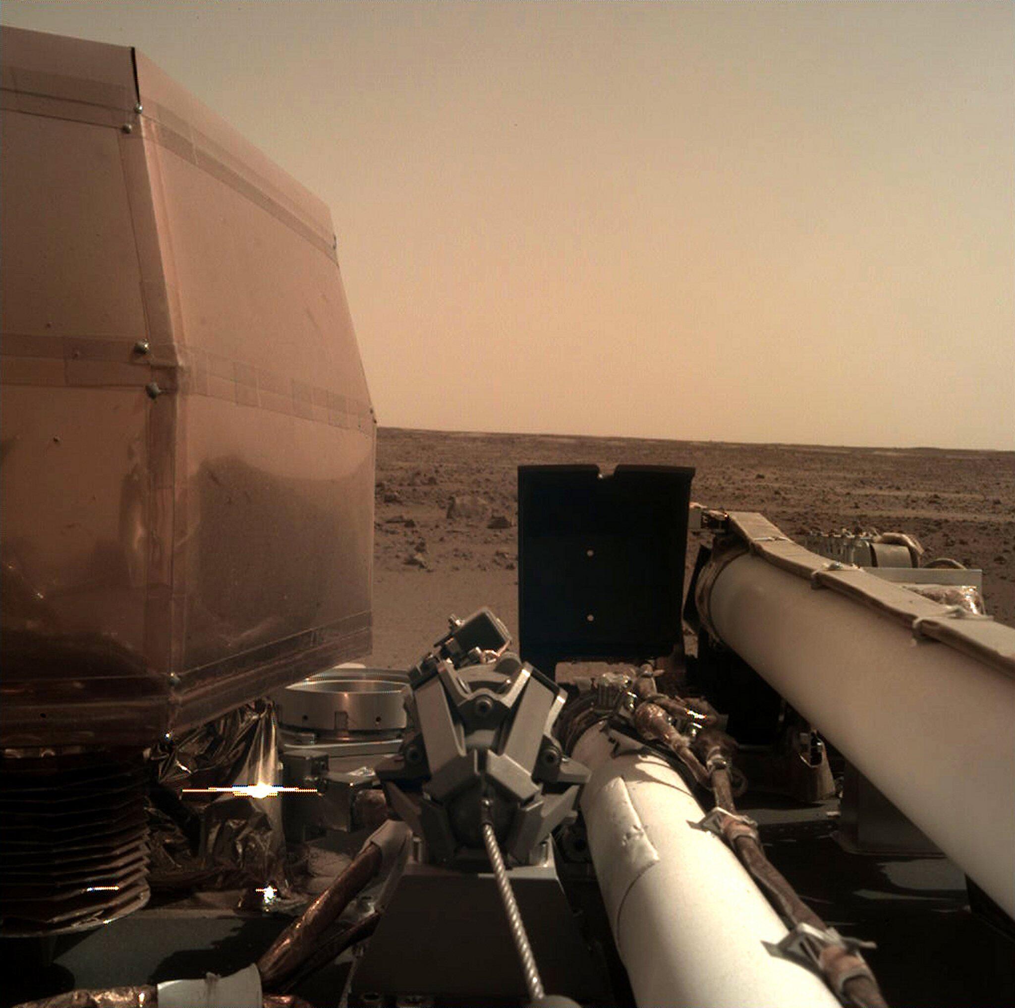 Bild zu Nasa-Roboter «InSight»landet auf dem Mars