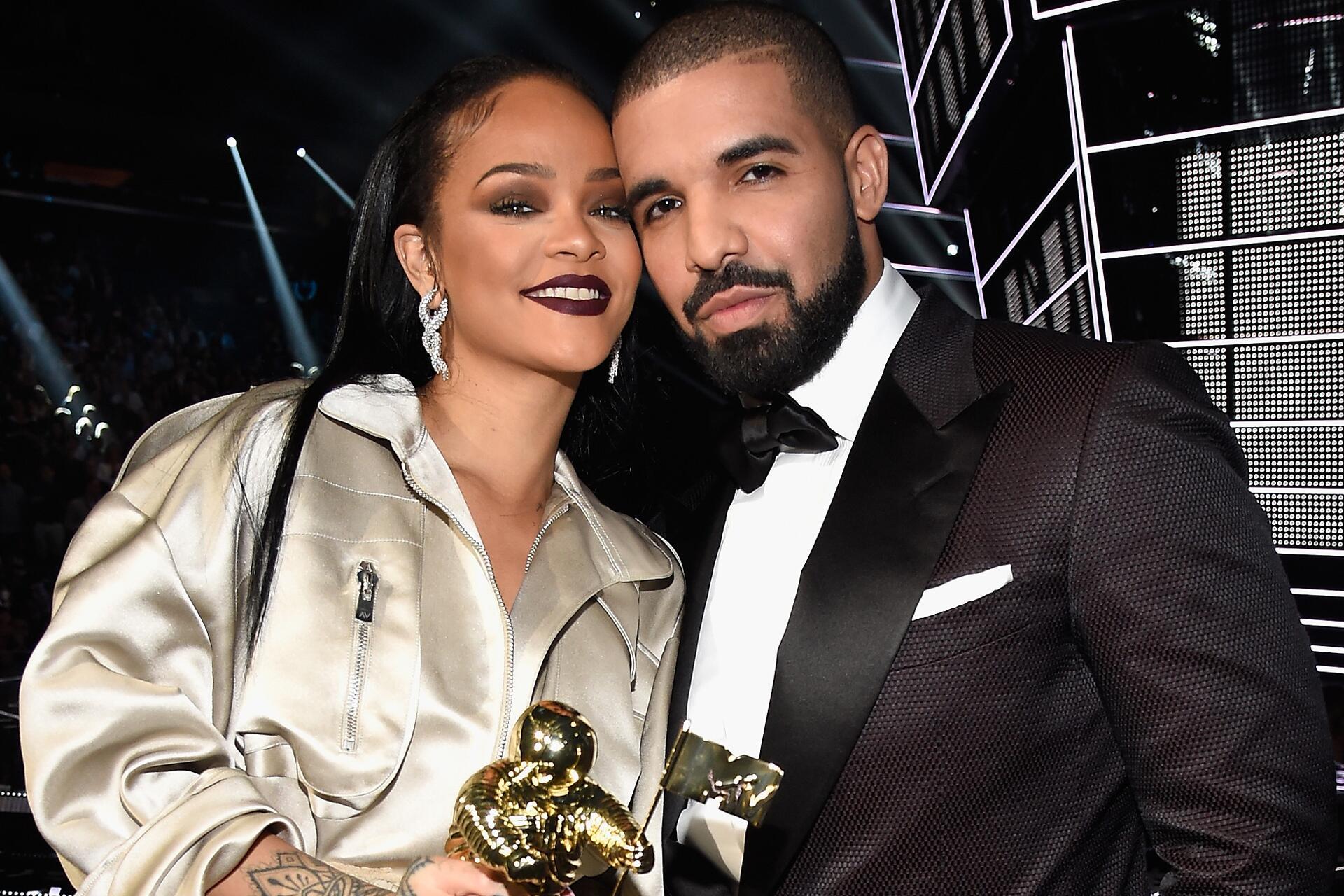Bild zu Rihanna, Drake, MTV Video Music Awards, 2016