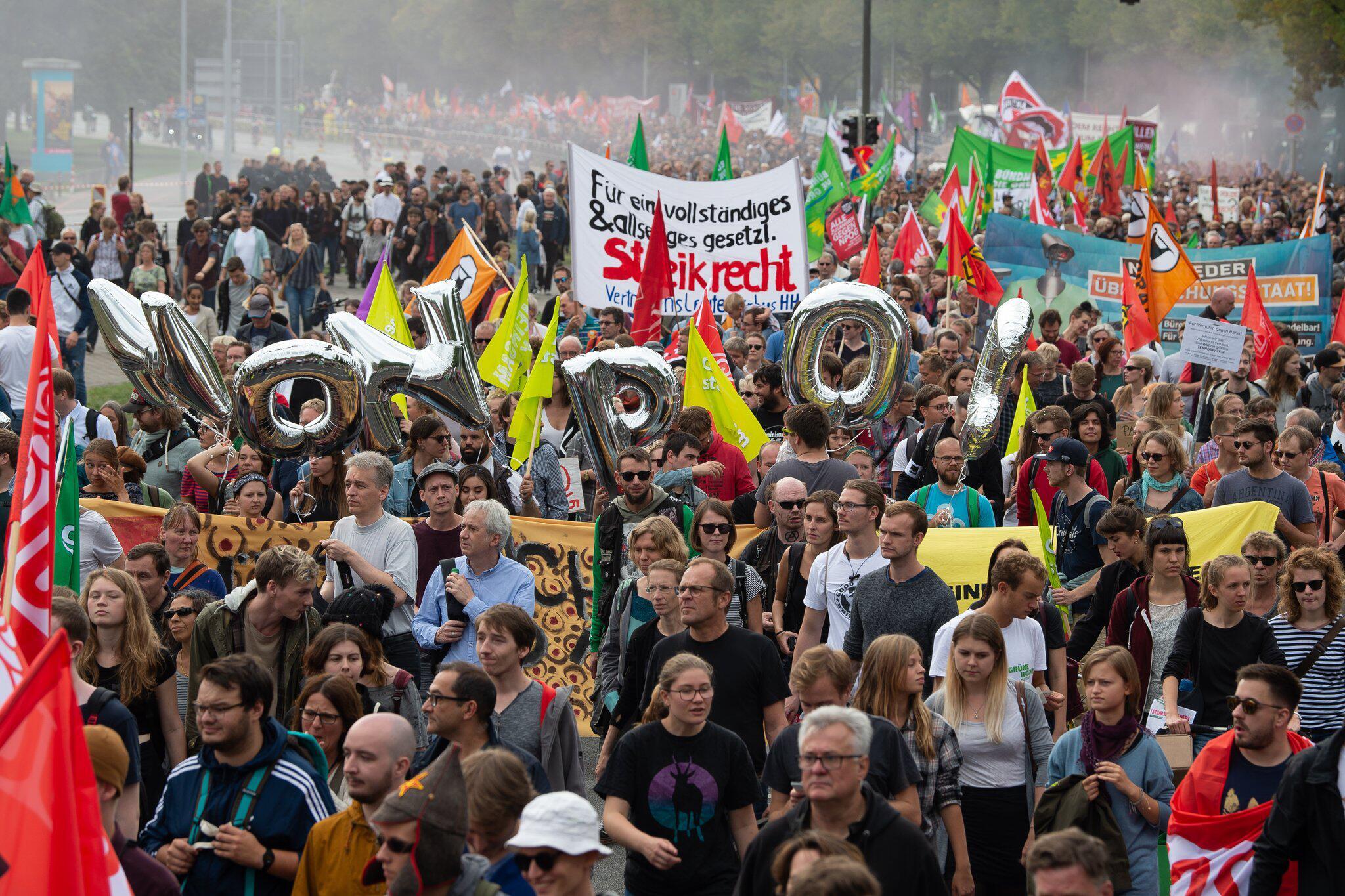 Bild zu Demo gegen neues niedersächsisches Polizeigesetz