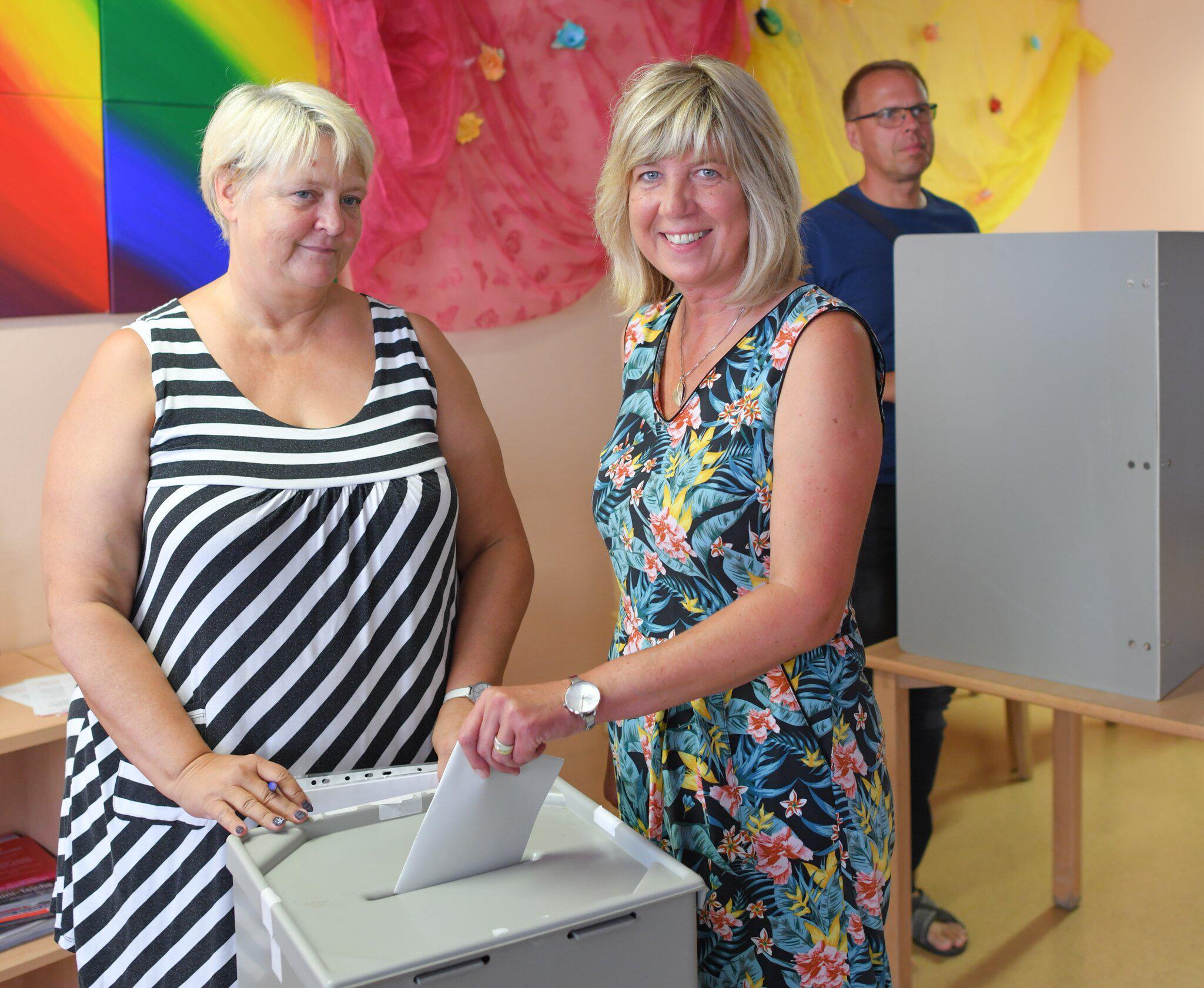 Bild zu Landtagswahl Brandenburg - Stimmabgabe Die Linke