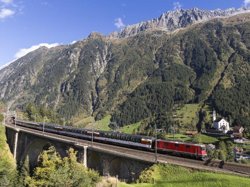Bild zu Gotthard Panorama Express