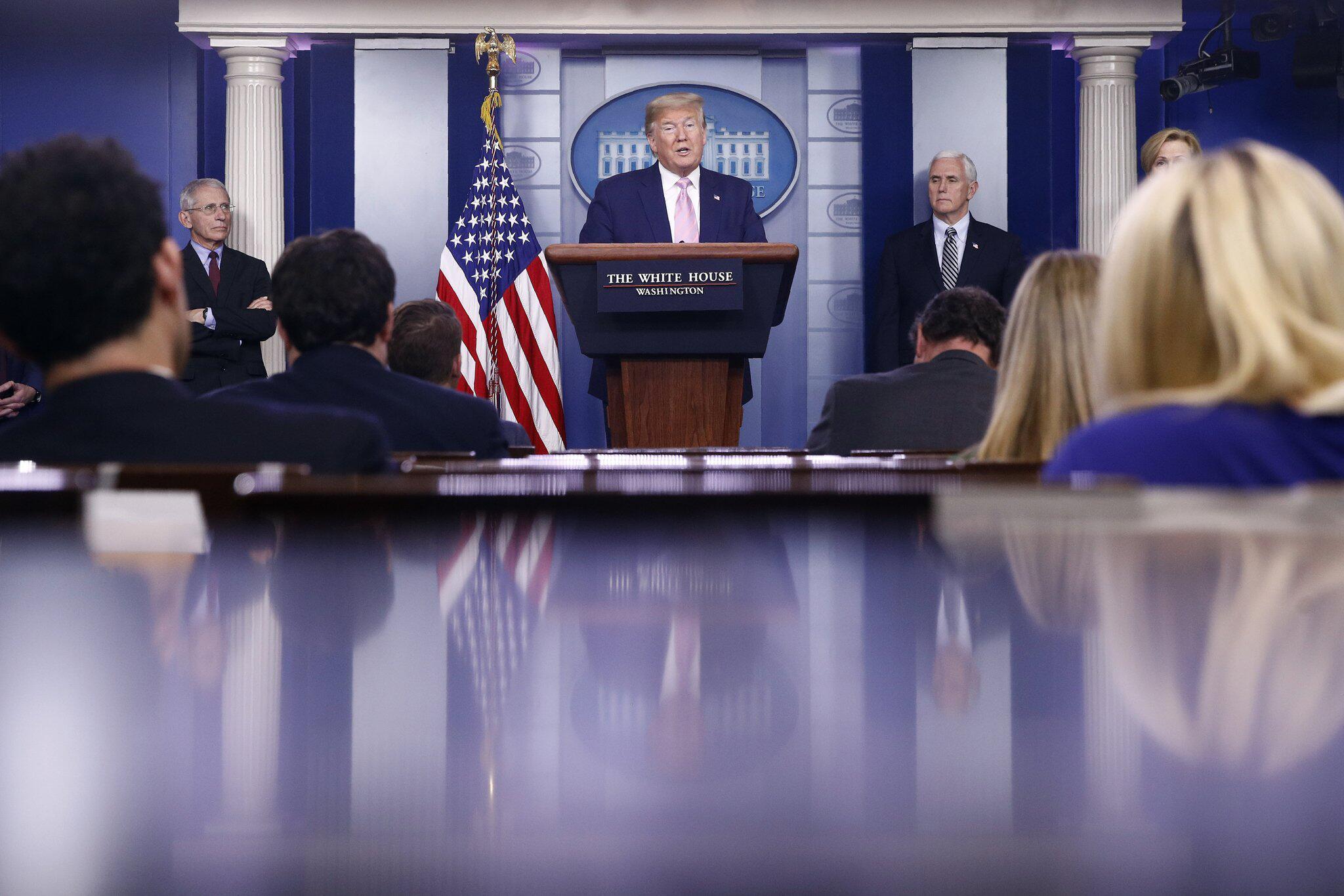 Bild zu Coronavirus - USA, PK Trump
