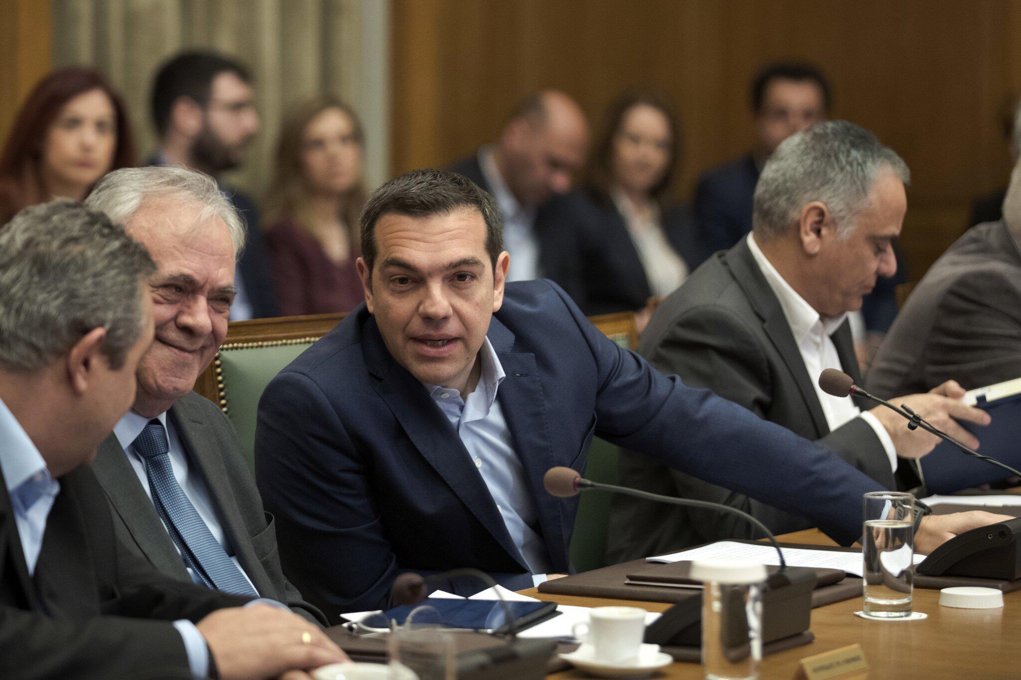 Bild zu Kabinettstreffen mit griechischem Ministerpräsident Tsipras