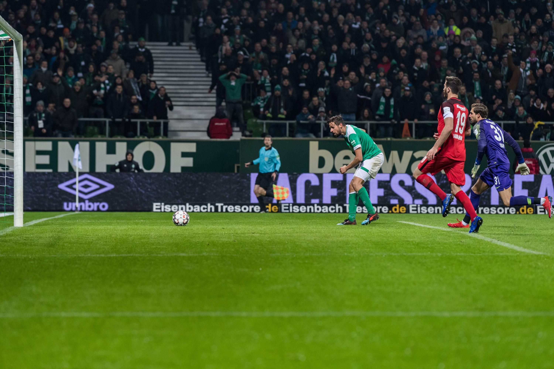 Bild zu Fußball, Bundesliga, Bremen, Eintracht, Frankfurt