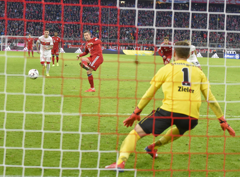 Bild zu Fußball, Bundesliga, Bayern, München, FCB, Stuttgart