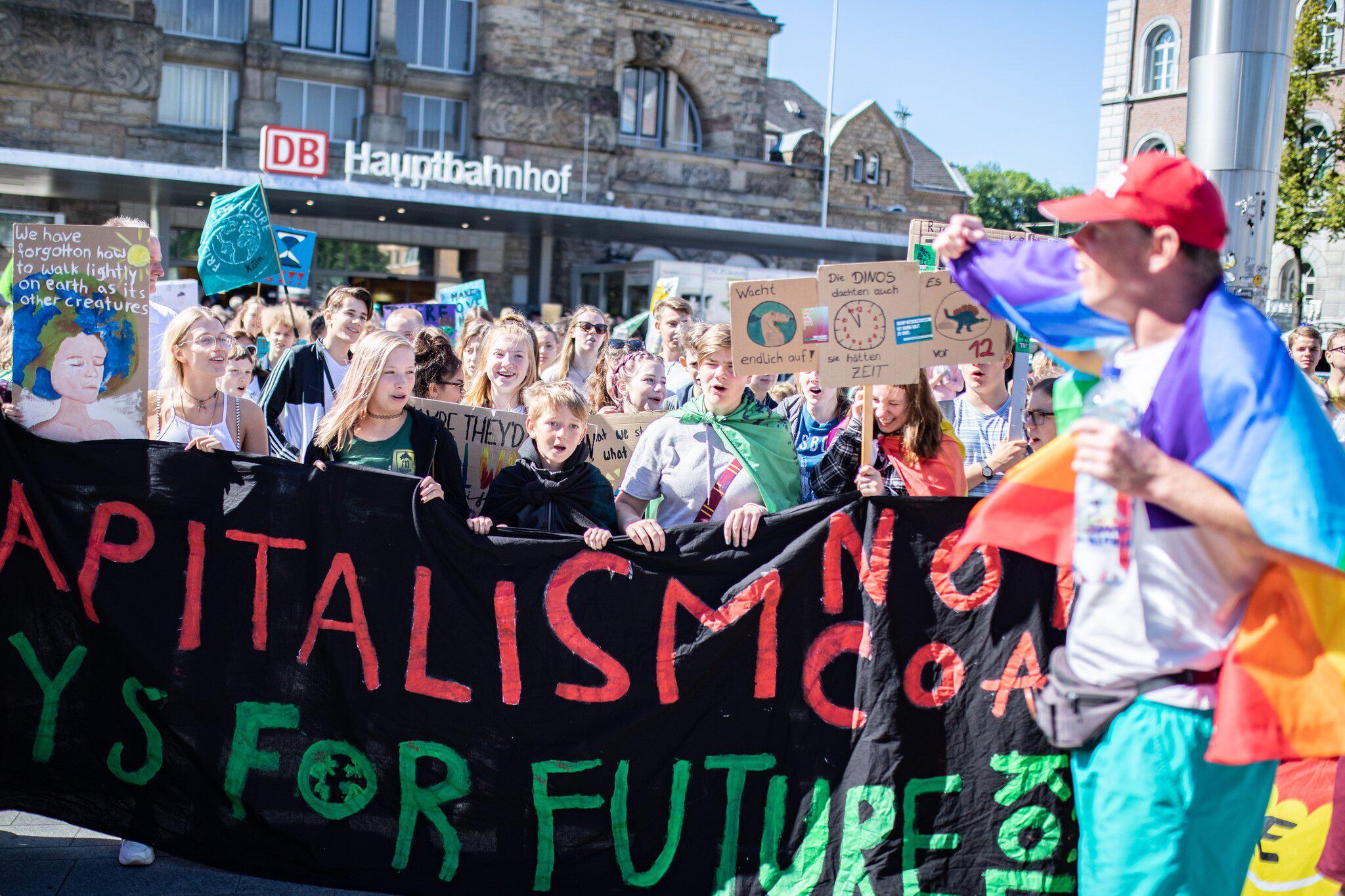 Bild zu Climate demonstration Fridays for Future - Aachen