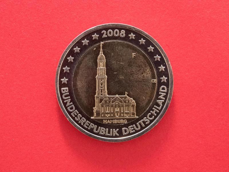 Bild zu Zwei-Euro-Münze mit dem Hamburger Michel