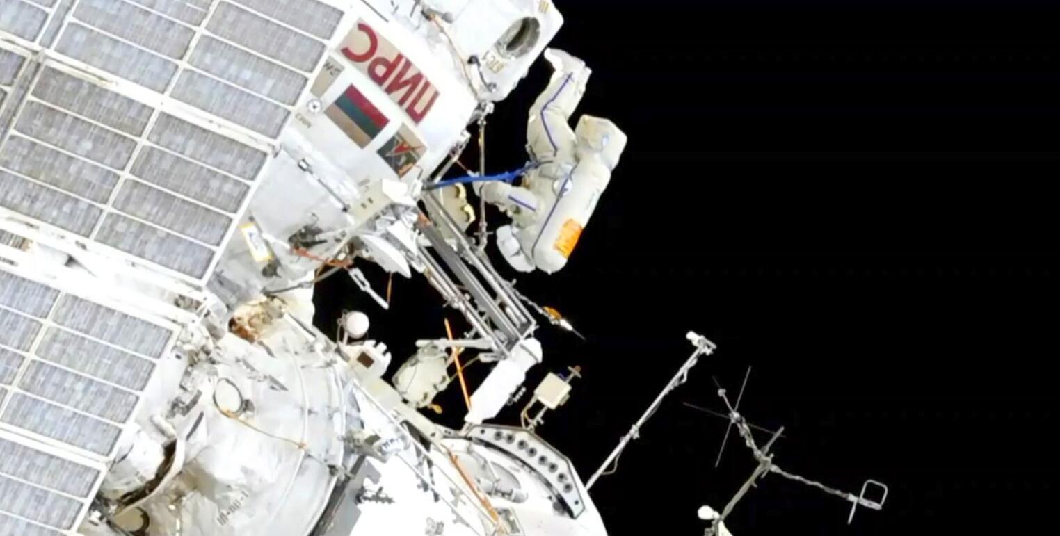 Bild zu Außeneinsatz an der Internationalen Raumstation